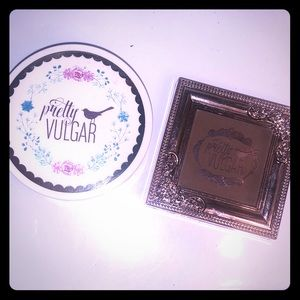 Pretty Vulgar bronzer and setting powder set